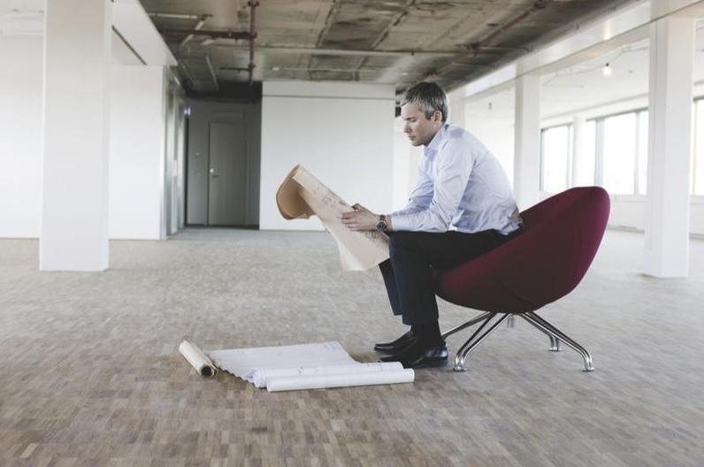 Claves antes de firmar el contrato de alquiler de tu oficina